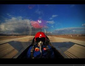 Chóng mặt cảnh F16 bay 4km trong vài chục giây