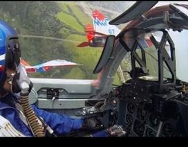 Xem MiG-29 thăng hoa trên bầu trời từ buồng lái