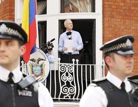 Anh, Mỹ tốn bao nhiêu tiền vì Julian Assange và Edward Snowden?