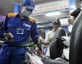 Bộ Tài chính bất ngờ hoãn tăng thuế nhập khẩu xăng dầu lên kịch trần