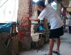 """TP. Hà Nội chỉ đạo """"giải cứu"""" gần 400 cư dân sống trong khu tập thể chờ sập"""
