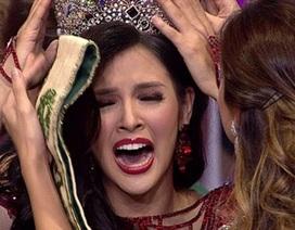 Người đẹp Philippines bật khóc khi đăng quang Hoa hậu Trái đất