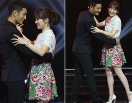 Song Hye Kyo khiêu vũ cùng Huỳnh Hiểu Minh