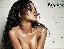 """Rihanna chụp ảnh """"nóng"""" mừng tuổi mới"""