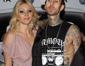 Rocker nổi tiếng và vợ cũ bị bắt vì đánh lộn