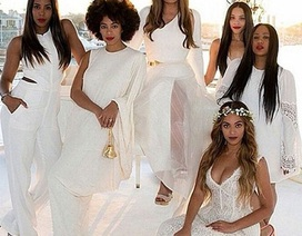 61 tuổi, mẹ ruột của Beyonce Knowles vẫn tự tin với tiệc cưới tuyền màu trắng