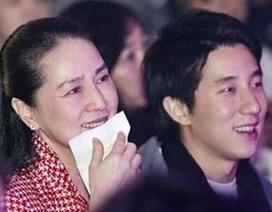 Con trai Thành Long nghẹn ngào đoàn tụ với mẹ sau khi ra tù