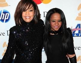 Con gái của Whitney Houston đã hôn mê 7 tuần