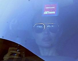 Angelina Jolie lộ vẻ nhợt nhạt sau tuyên bố cắt bỏ buồng trứng