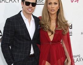 """Jennifer Lopez định chi 3 triệu đô la cho đám cưới với """"phi công trẻ"""""""
