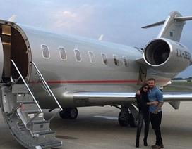 Vợ chồng David Beckham di chuyển bằng phi cơ riêng