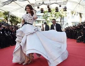 Chiếc váy dạ hội tuyệt đẹp của mỹ nhân Ấn Độ