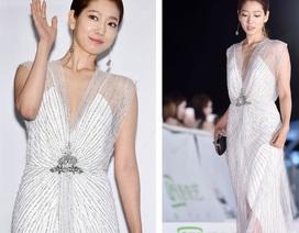 Park Shin Hye cuốn hút và nổi bật trên thảm đỏ