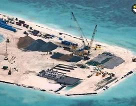 """Cử tri Hà Nội """"thúc"""" phản ứng trước việc Trung Quốc rầm rộ xây đảo"""