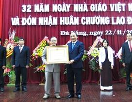 Đại học Duy Tân đón Huân chương Lao động hạng Nhì