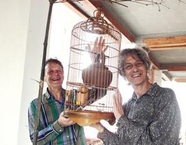 Hai nghệ sỹ Hà Lan sáng tạo nghệ thuật với gốm Thanh Hà