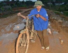 """Người bưu tá gù cả đời đạp xe đưa """"tin"""""""