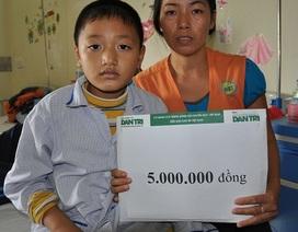 Quỹ Nhân Ái trao nóng 5 triệu đồng đến em Đoàn Văn Dương