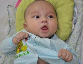 Tiếng khóc xé ruột của bé 3 tháng tuổi bị tim bẩm sinh