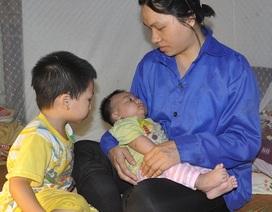 Vừa sinh con, người vợ trẻ mong hiến thận để cứu tính mạng chồng