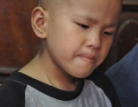 Bị u tiểu não, tính mạng bé 8 tuổi vô cùng nguy kịch