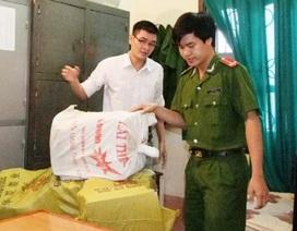 Hai cán bộ huyện bị bắt vì tham nhũng