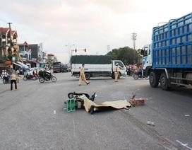 Đứng chờ đèn tín hiệu bị xe tải tông văng 10m, tử vong