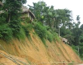 Gần 700 người dân nằm trong vùng có nguy cơ sạt lở cao