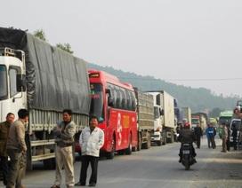 Tắc đường hàng chục km trên QL 1A kéo dài qua hai tỉnh