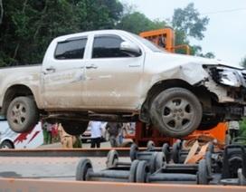 """Ô tô biển """"ngoại"""" chạy trốn từ Hà Nội, tông bị thương CSGT Thanh Hóa"""