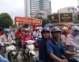 Hàng nghìn công nhân tuần hành ôn hòa phản đối Trung Quốc