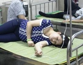 Gần 100 công nhân nhập viện sau bữa ăn trưa