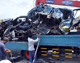 Hiện trường vụ tai nạn kinh hoàng khiến 6 người chết