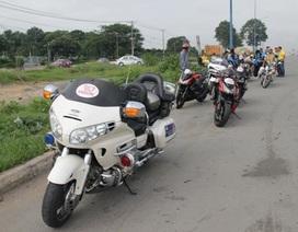 """Tạm giữ 8 xe mô tô """"khủng"""" vi phạm luật giao thông"""