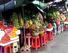 """Người tiêu dùng  """"quay lưng"""" với rau, củ, quả Trung Quốc"""