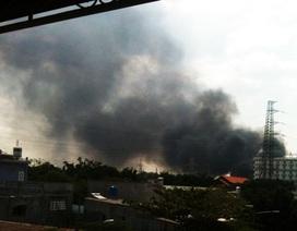 Bình Dương: Cháy 3 kho phế liệu, cả khu dân cư náo loạn