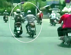 Camera hành trình ghi trọn cảnh cướp giật trên đường phố Sài Gòn