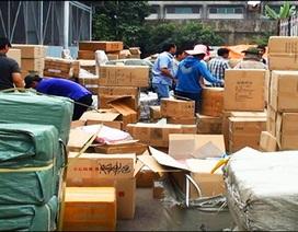 Giám đốc đang bỏ trốn, 14 container hàng nghi lậu vẫn ồ ạt về cảng