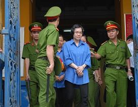 """Mẹ Huyền Như """"từ chối"""" căn biệt thự 43 tỷ đồng?"""
