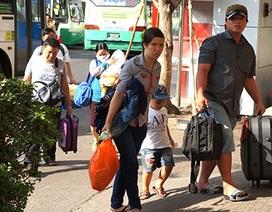 Hàng ngàn người bắt đầu quay lại thành phố sau kỳ nghỉ tết