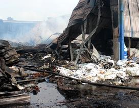 Vụ cháy suốt đêm tại Bình Dương: Có thể do chập điện tại kho số 8
