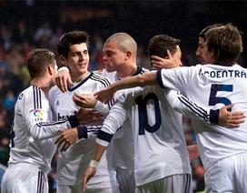 """Nhìn lại chiến thắng """"chấp người"""" của Real Madrid"""