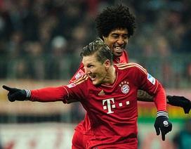 Schweinsteiger lập siêu phẩm đá phạt, Bayern hạ Schalke 04