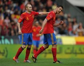 Iniesta và Alonso trên đường rời La Liga?