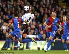 Sao Fulham tái hiện siêu phẩm volley của Van Basten