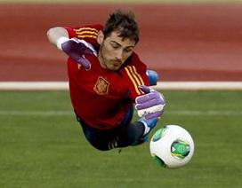 """Iker Casillas chặn đứng """"tuyệt đỉnh tiki-taka"""""""