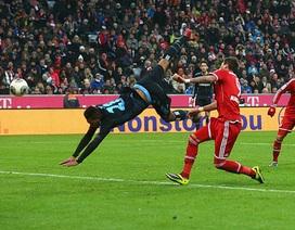 Bayern Munich hạ gục Hamburg, Dortmund bị Hoffenheim cầm chân