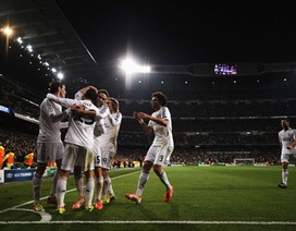 """Nhìn lại """"bữa tiệc trắng"""" của người Madrid tại Bernabeu"""