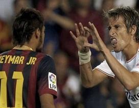 """Đòi phạt đền, Neymar đụng """"đồ tể"""" Pepe rồi ăn thẻ"""