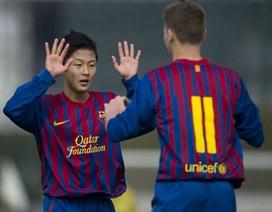 Tài năng trẻ Hàn Quốc khiến Barca vào vòng lao lý